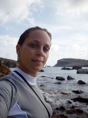 Laura em Noronha